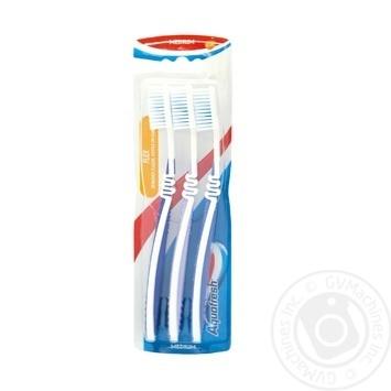 Зубна щітка Aquafresh Flex середньої жорсткості економічна упаковка 3шт - купити, ціни на Восторг - фото 1