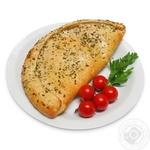 Піца Кальцоне з салямі та томатами 400г