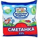Продукт сметанний Молочна Родина Сметанка селянський 25% 450г плівка Україна