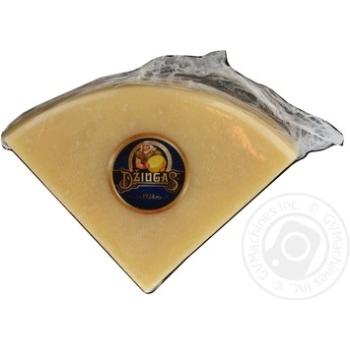 Сыр Джюгас твердый 40% Литва