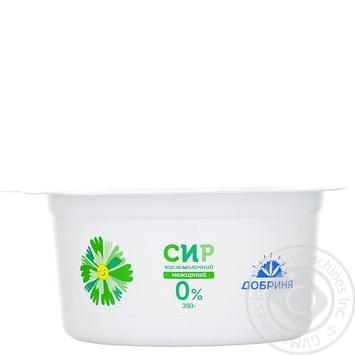 Творог кисломолочный Добриня 0% 350г пластиковый стакан Украина