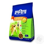 Club 4 Paws Dry pet food for adult dogs of medium and large breeds 3kg