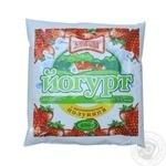 Йогурт Злагода жирный с наполнителем Клубника 1,5% 400г