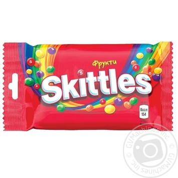 Конфеты Skittles Fruits жевательные с фруктовым соком в хрустящей сахарной оболочке 38г - купить, цены на МегаМаркет - фото 1