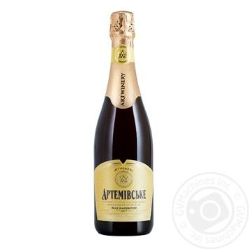 Вино игристое Artwinery Артемовское белое полусухое 10-13,5% 0,75л - купить, цены на МегаМаркет - фото 1