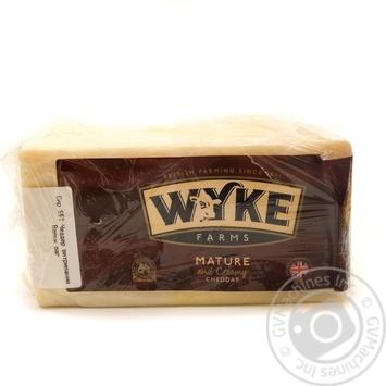 Сыр Wyke Farms Чеддер 56%