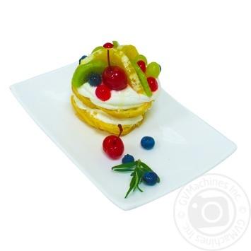 Пирожное Заварное кольцо с фруктами