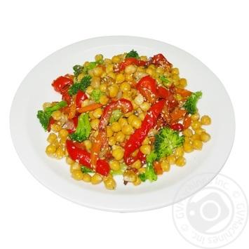 Нут з овочами