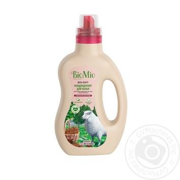 Кондиционер для белья BioMio BIO-SOFT экологичный гипоаллергенный концентриорванный с эфирным маслом корицы и экстрактом хлопка 33 стирки 1л - купить, цены на Novus - фото 1