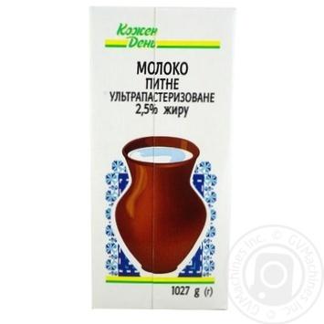 Молоко Каждый день ультрапастеризованное 2.5% 1027г - купить, цены на Ашан - фото 1
