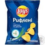 Чипсы Lay's Рифленые со вкусом сметаны и лука 71г