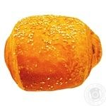 Puff product with ham and cheese 100g