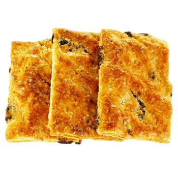 Печенье Изюминка слоеное весовое - купить, цены на Ашан - фото 1