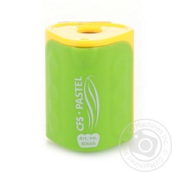 Чинка пластикова з контейнером - купити, ціни на Ашан - фото 1