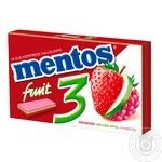 Жевательная резинка Mentos клубника яблоко малина 33г