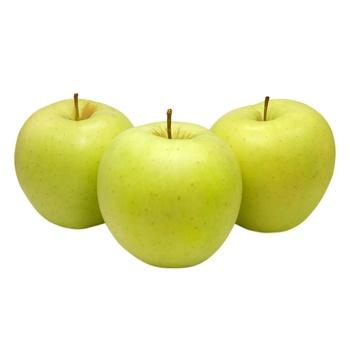 Яблоко Голден - купить, цены на Метро - фото 1