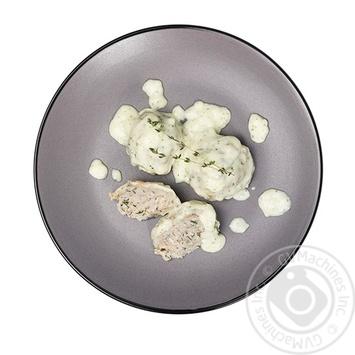 Тефтели рыбные в молочном соусе с зеленью