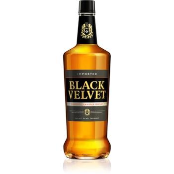 Віскі Black Velvet 40% 0,7л - купити, ціни на МегаМаркет - фото 1