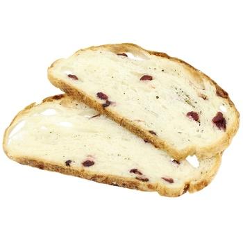 Хлеб с клюквой и базиликом бездрожжевой