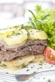 Картопля з м'ясом