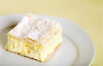 Сирний пиріг з цукатами