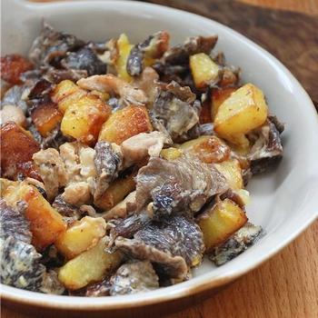 Смажена картопля із грибами у вершках