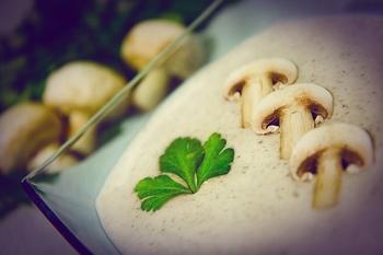 Сливочный крем-суп из шампиньонов и картофеля