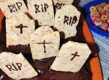 """Торт к Хэллоуину """"Кладбище"""""""