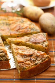 Тортилья з картоплею, сиром і кедровими горішками