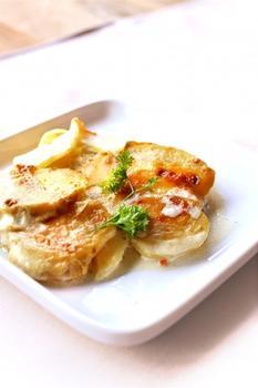 Картопля з цибулею і вершками