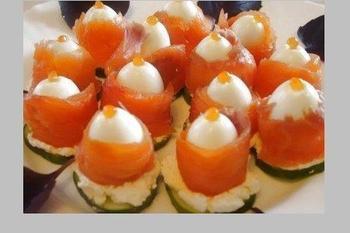 Закуска з перепелиних яєць і сьомги