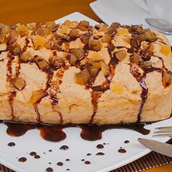 Пряникоий пиріг з шоколадним соусом (в мікрохвильовій печі)