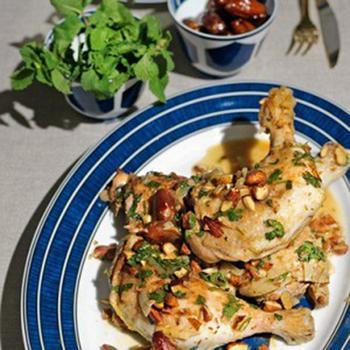 Тушеная курица с финиками