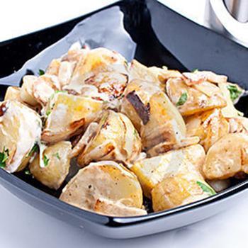 Теплий картопляний салат на грилі