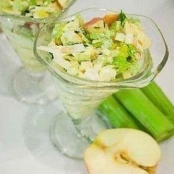 Салат из сельдерея с йогуртом