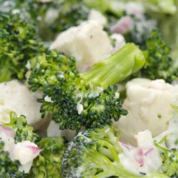 Пасхальный зеленый салат с фетой
