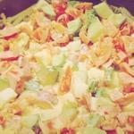 Салат с яйцами и кунжутом
