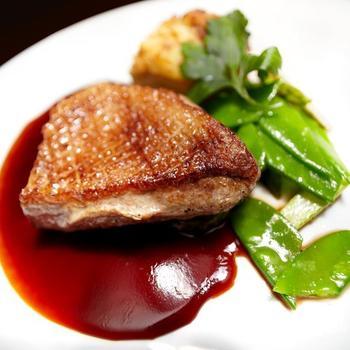 Ароматний соус для качки з фініками і чорносливом