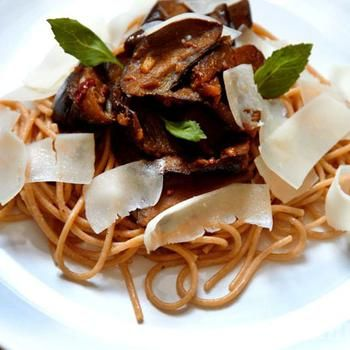 Спагеті з баклажанами