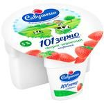 Творог Савушкин продукт 101 зерно+сливки зерненый 5% 105г клубничный наполнитель 25г пластиковый стакан Белоруссия