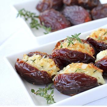 Финики, фаршированные сыром