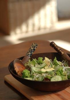 Зелений салат з авокадо