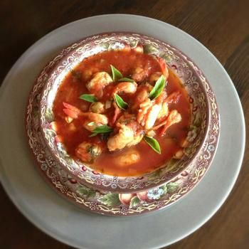 Томатний суп із креветками