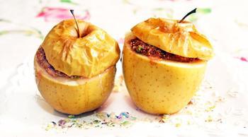 Запеченные яблоки с инжиром