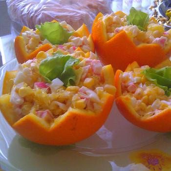 Салат із крабових паличок і апельсинів