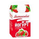 Йогурт с ароматом клубники 1.5% Яготинське 450г