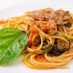 Спагеті з сардиною в томатному соусі