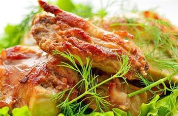 Кролик під винним соусом по-грецьки