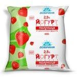 Yogurt Dobrynya strawberry with fruit pieces 2.5% 450g sachet Ukraine