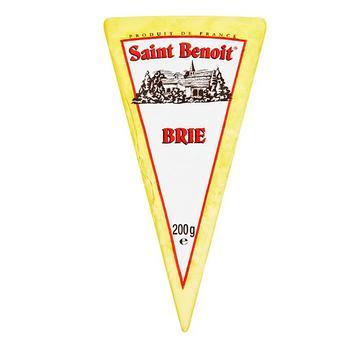 Сыр Сент Бенуа Бри 60% 200г - купить, цены на Ашан - фото 1